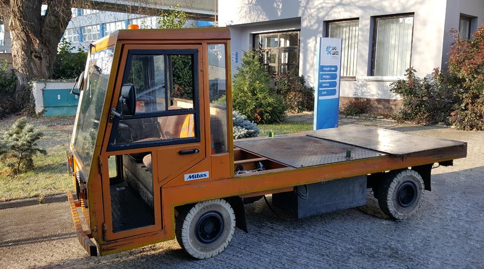 Bateriový plošinový vozík